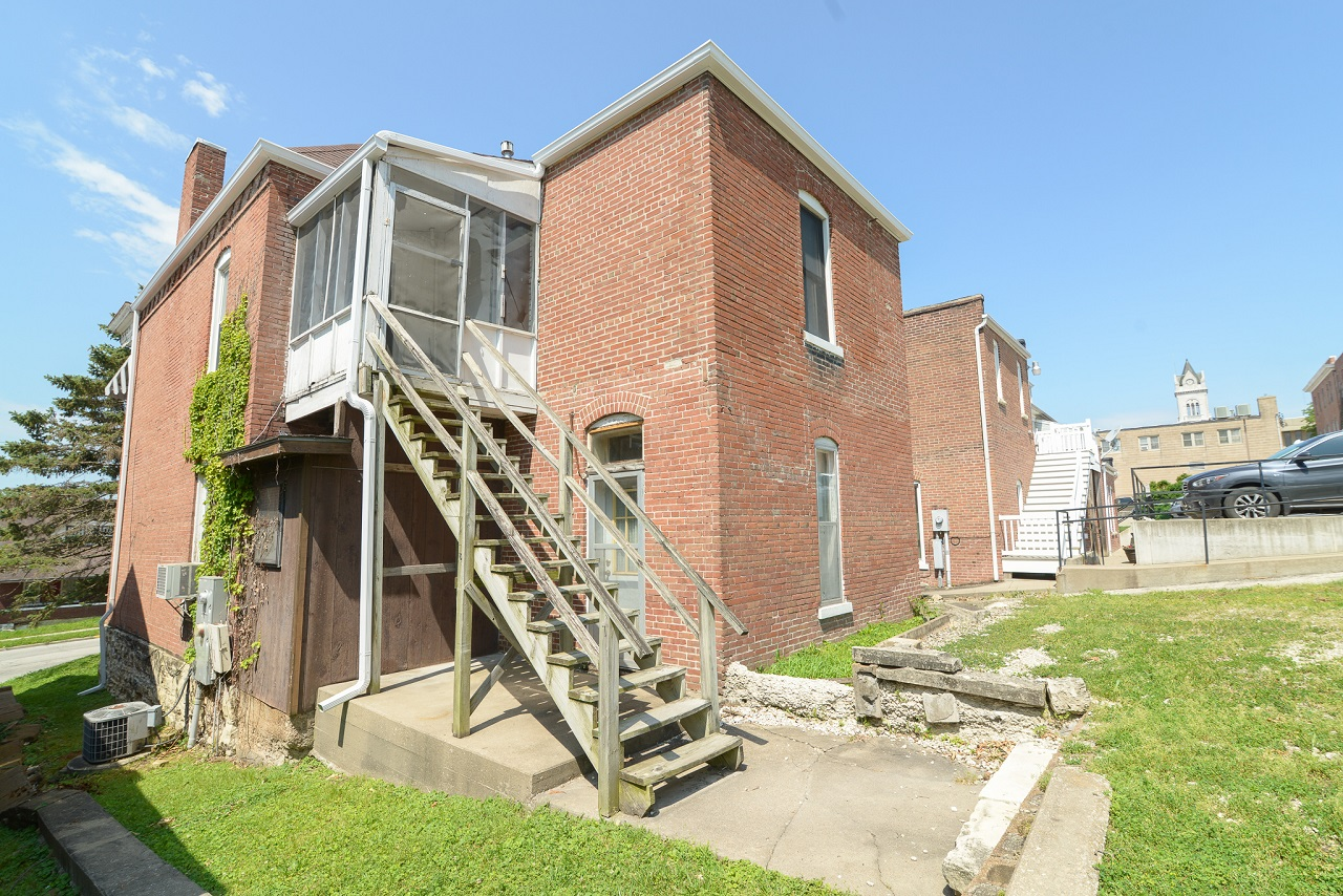 Commerical-Office-Space-for-Sale-Jefferson-City-Missouri-65109-Rentals-Property -Management-Capital-Investment-Realty (24)