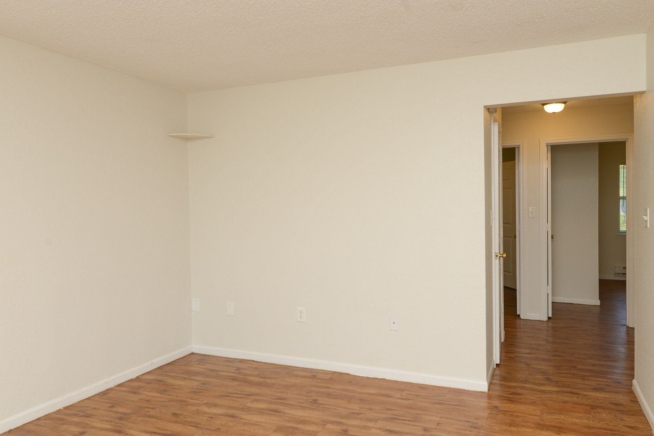 Home-For-Rent-Jefferson-City-Missouri-65109-Rentals-Property -Management-Capital-Investment-Realty (2)