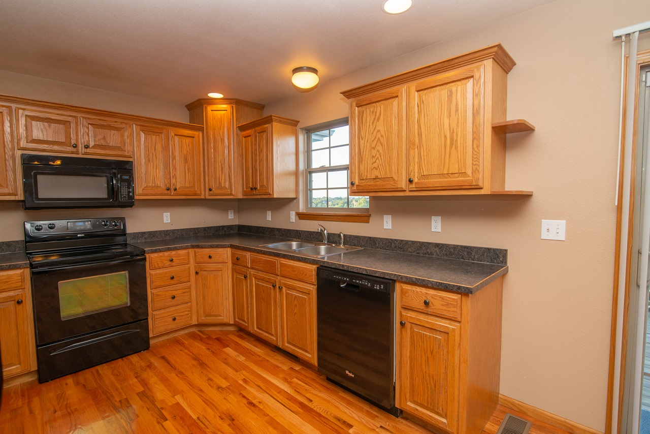 Home-For-Rent-Jefferson-City-Missouri-65109-Rentals-Property -Management-Capital-Investment-Realty (17)