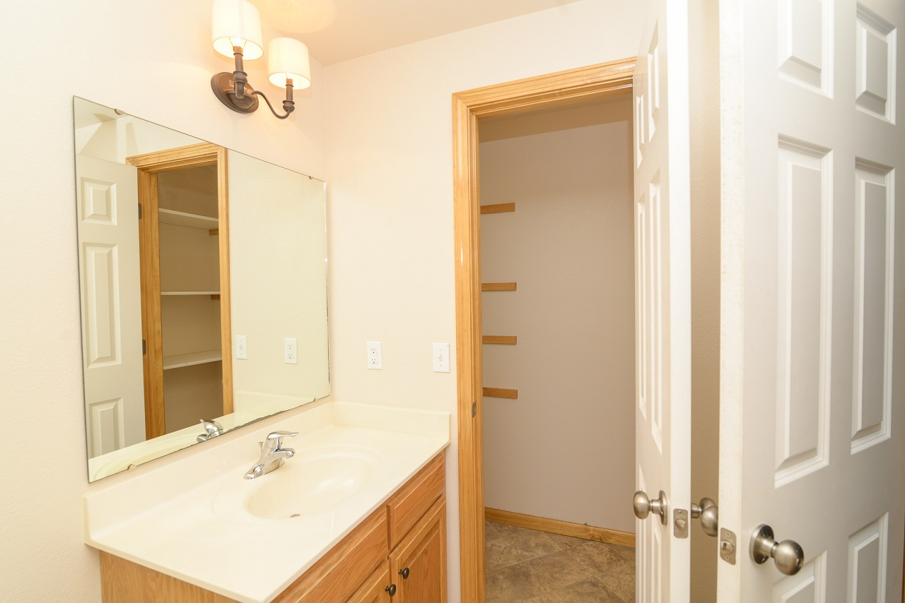 Home-For-Rent-Jefferson-City-Missouri-65109-Rentals-Property -Management-Capital-Investment-Realty (20)