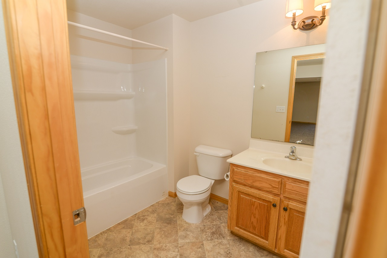 Home-For-Rent-Jefferson-City-Missouri-65109-Rentals-Property -Management-Capital-Investment-Realty (21)