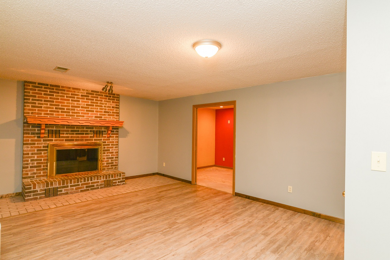 Home-For-Rent-Jefferson-City-Missouri-65109-Rentals-Property -Management-Capital-Investment-Realty (12)