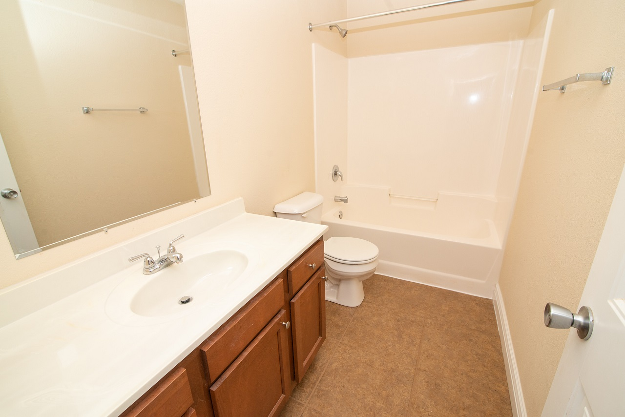 Home-For-Rent-Jefferson-City-Holts-Summit-Missouri-65109-Rentals-Property -Management-Capital-Investment-Realty (12)